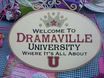 Dramaville University
